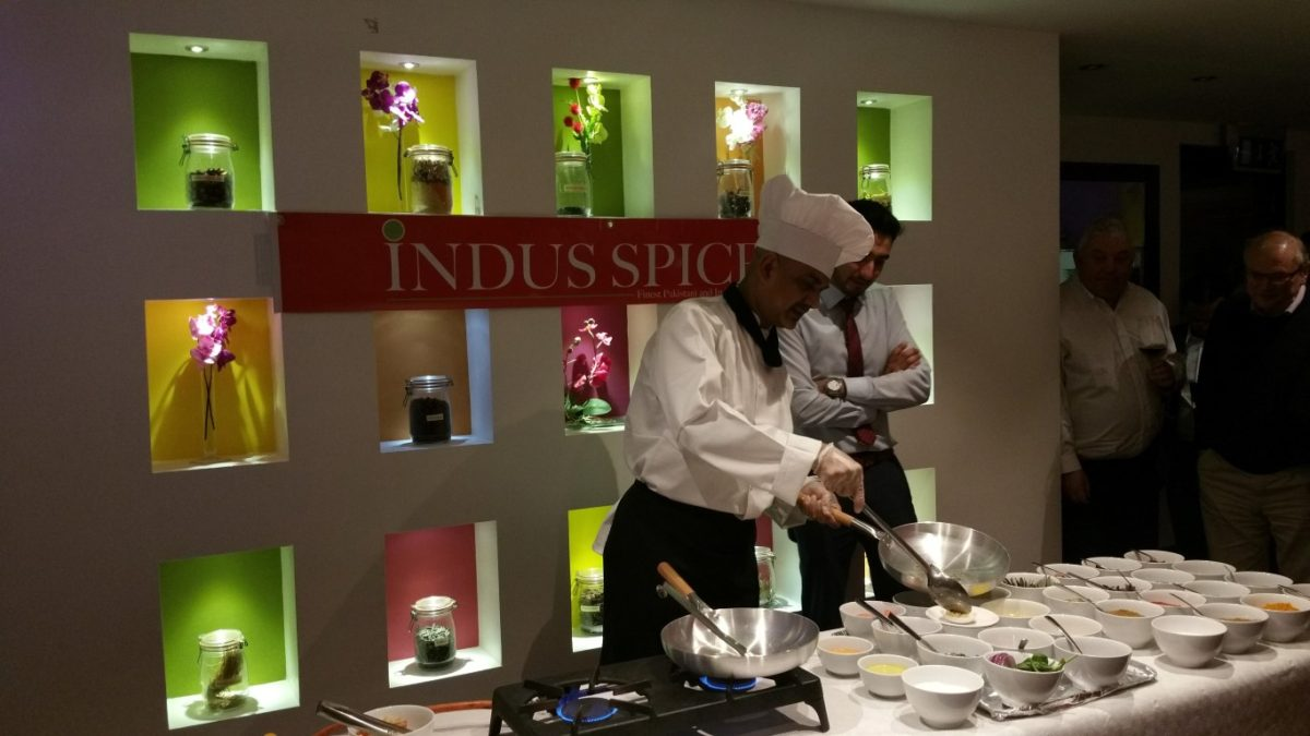 indusspicecooking-medium
